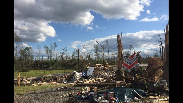 Pryor Pays Tribute to Arkansas Tornado Victims