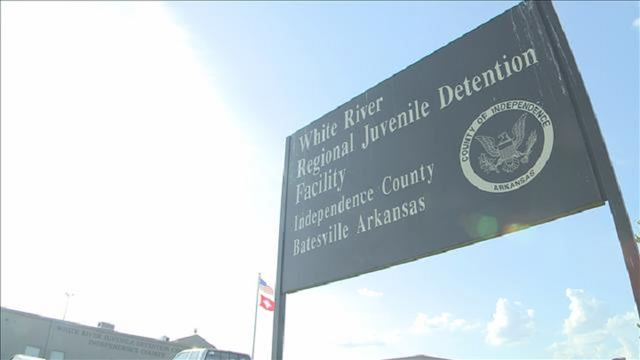 3 former detention officers in Arkansas accused of assault