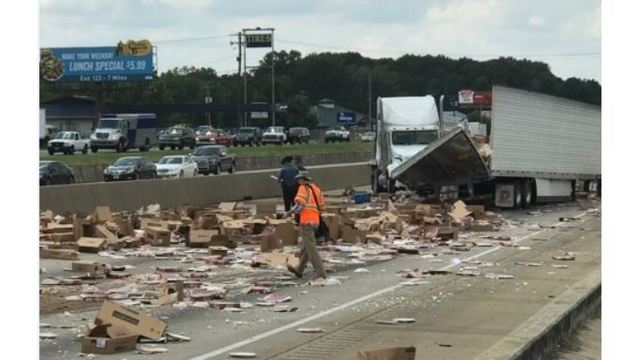 I-30 Littered with Frozen Pizzas After Tractor Trailer Crashes